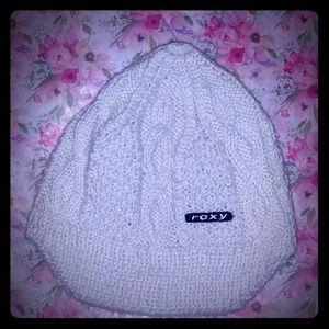 Knitted Roxy Beani